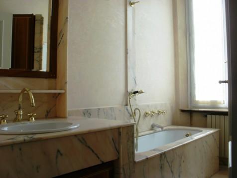 Borgonuovo int.6, bagno